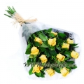Yellow_roses_gift_wrap